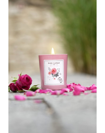 """Heirloom rose"" candle"