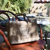 💧☀️🍹 Pause méritée au Petit hôtel de St Rémy... Où que vous soyez, passez un doux week-end.  Prenez soin de vous !  #loveinstremy #slowlife #parfumdété #vacancesenprovence #senteurs #provence #summer #naturalproducts @le_petit_hotelprovence #lepetithotelprovence  Photo 📸 @thierryteisseire