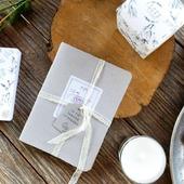 🌿 Vous aimez la jolie papeterie éco-responsable, les packagings naturels, le savoir-faire Français… et les parfums bien sûr ?  🌿 Rendez-vous sur notre site pour faire le plein d'idées cadeaux.  🌿 Profitez de la livraison offerte partout en France jusqu'à #Noël !  🌿 E-shop 🔗 lien dans la bio  #ideescadeaux #papeterie #bougiesparfumees #naturel