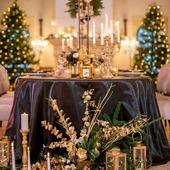 Joyeux Noël, Joyeuses Fêtes, bons baisers de Provence !  Une photo que l'on doit à une magnifique collaboration avec Aurélie @jai2amoursevents et sa team au Château d'Estoublon. Un décor de rêve au coeur des Alpilles pour vous souhaiter de belles fêtes de Noël et célébrer la joie des rencontres, le plaisir du partage.  Wishing you a merry Christmas and a wonderful holiday season ! - Organization & Stylist : @jai2amoursevents Tableware Designers : @jai2amoursevents & @okissweddingdesign Venue, Olive oil & wines: @chateau.estoublon Floral designer : @okissweddingdesign Photographer : @cedrickleinphotography Film : @sebastien_cabanes Table accessories, Furnitures : @jolibazaar Hair & Make up : @karinebrossardmakeuphair Dresses : @gisele_et_simone Live Music Production : Alice by @discotecnik DJ : @benjaminkliber Audio & DJ Furniture : @discotecnik Stationary : @bonjourpaper Jewelry : @swarovski Candles : @loveinstremy Chocolate maker and macaroons: Chocolat.T Calissons : @leroyreneofficiel Champagne : @perrierjouet Model : @loralesx Château :@chateau.estoublon   #magicalplace #magiedenoel #feeriedenoel #chateau #chic #lesalpilles #Provence #christmasspirit #luxe #loveinstremy