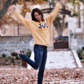 Joie de vivre, joie de rêver, joie de profiter… Nous espérons insuffler un peu de joie dans vos maisons, avec nos créations Love In St Rémy pour 2021.  Joy is what we wish you for Year 2021 !  Portrait @thierryteisseire - #happynewyear #newyear #joy #joiedevivre #voeux2021 #LaetitiaLabrunedeLuca #saintremydeprovence #provence